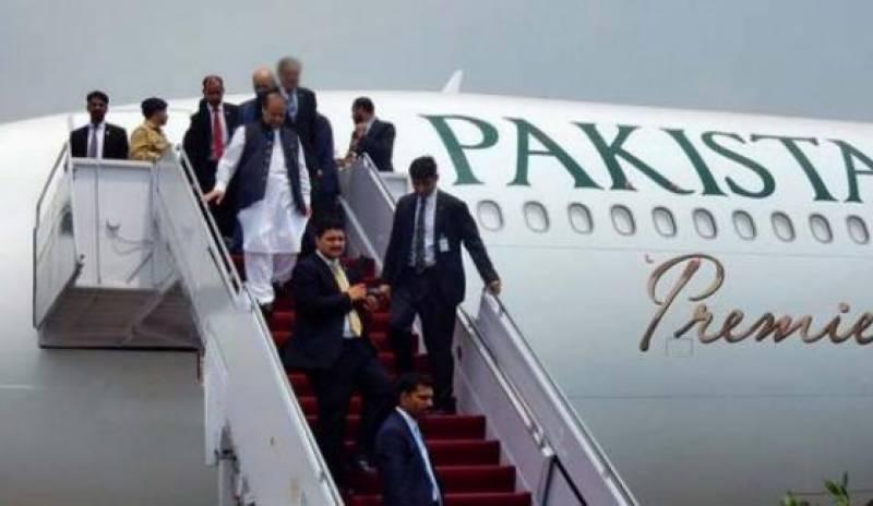 سابق وزیر اعظم نواز شریف لندن سے وطن واپس پہنچ گئے