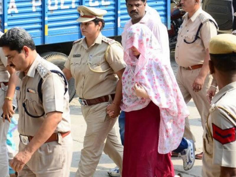 گرمیت رام کی منہ بولی بیٹی ہنی پریت 6روزہ ریمانڈ پر پولیس کے حوالے
