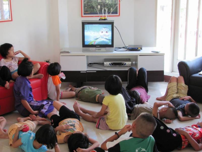 بچوں کے کمروں میں ٹی وی اور ویڈیو گیمز ان میں موٹاپے کا سبب