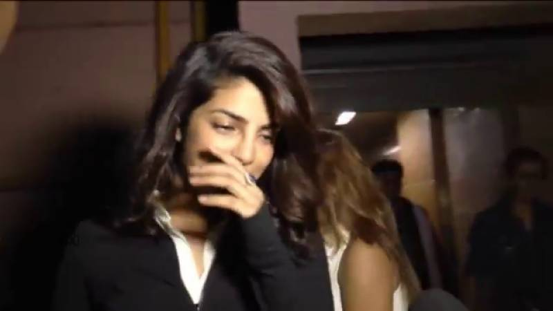 معروف اداکارہ پریانکا چوپڑا کو ہدایتکار نے فلم سے نکالنے کی دھمکی دے دی