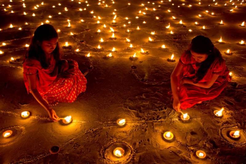 روشنیوں کاتہواردیوالی مذہبی عقیدت و احترام کے ساتھ پاکستان بھر میں منا یا گیا