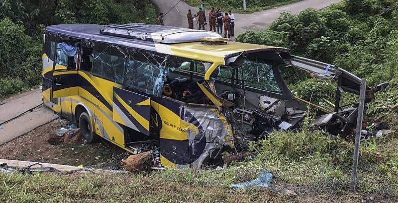 ملائشیا میں دو بسوں کے تصادم میں 8 افراد ہلاک