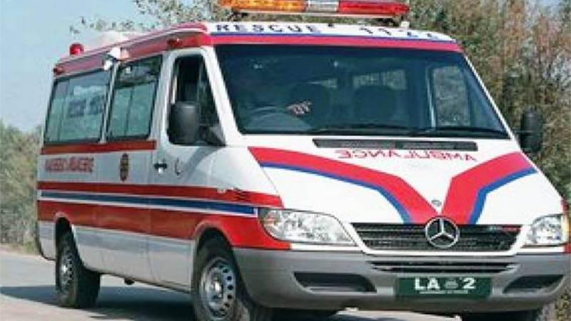 وین اور ٹریلر کے درمیان خوفناک تصادم میں 10 افراد جاں بحق 35 زخمی