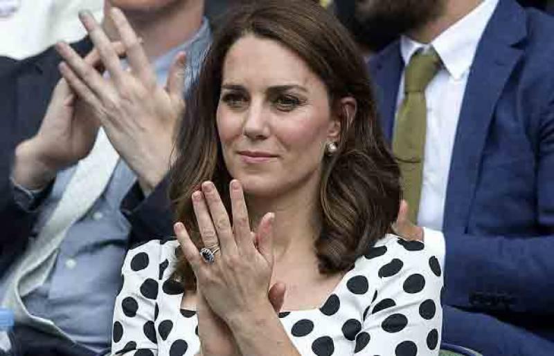 شہزادی کیٹ شوخ رنگ کی نیل پالش کیوں نہیں لگاتیں