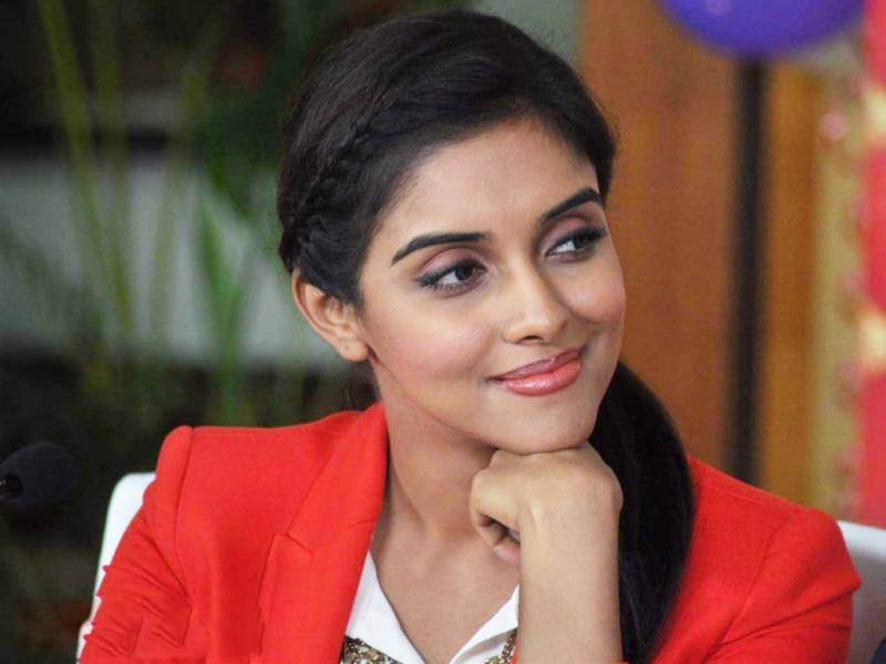 معروف اداکارہ نے اکشے کمار کو اپنی بیٹی کا