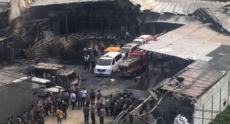 انڈونیشیا میں آتش بازی کا سامان تیار کرنے والی فیکٹری میں دھماکہ، 27 افراد ہلاک
