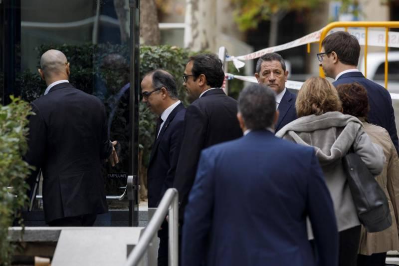 کاتولونیا کے 8 وزراءکو جیل بھیج دیا