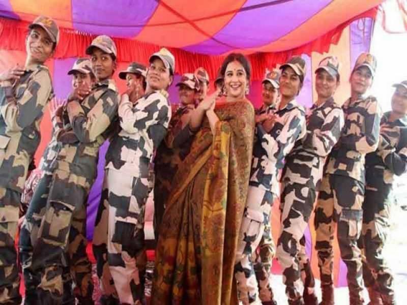 فلم کی تشہیر کیلئے ودیا بالن پاک بھارت سرحد پر جا پہنچیں