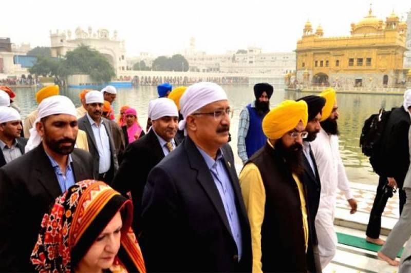 پاکستان رینجرز کے وفد کا امرتسر میں گولڈن ٹیمپل کا دورہ