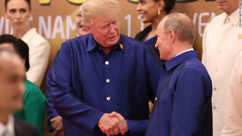 آسیان اجلاس،امریکی صدرکی روسی صدر کو تھپکی