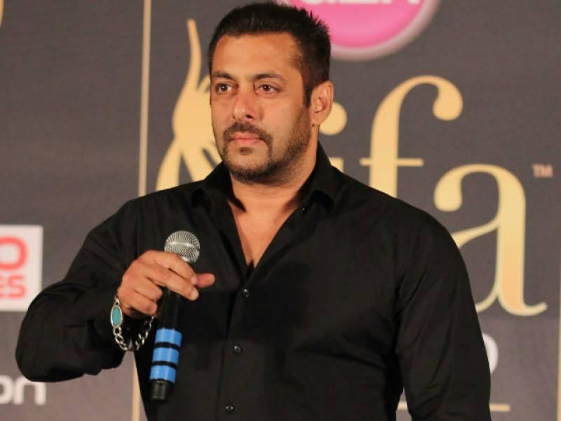 """دبنگ خان بھی فلم """"پدماوتی"""" تنازعہ پر بول پڑے"""