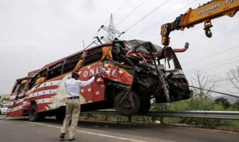 بھارتی ریاست اتر پردیش میں روزانہ 100ٹریفک حادثا ت میں 53افراد موت کے منہ میں چلے جاتے ہیں
