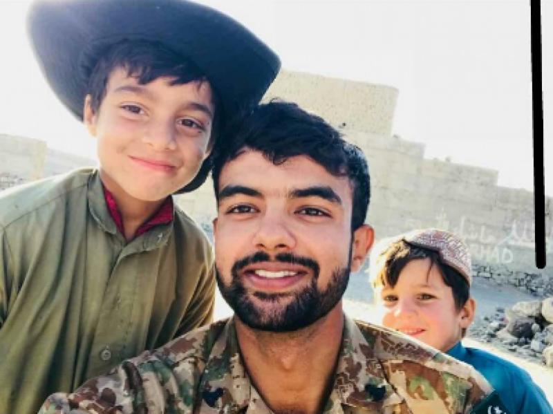 ہمارے بیٹے نے وطن پر جان قربان کر کے ہمارا سر فخر سے بلند کر دیا: والدین