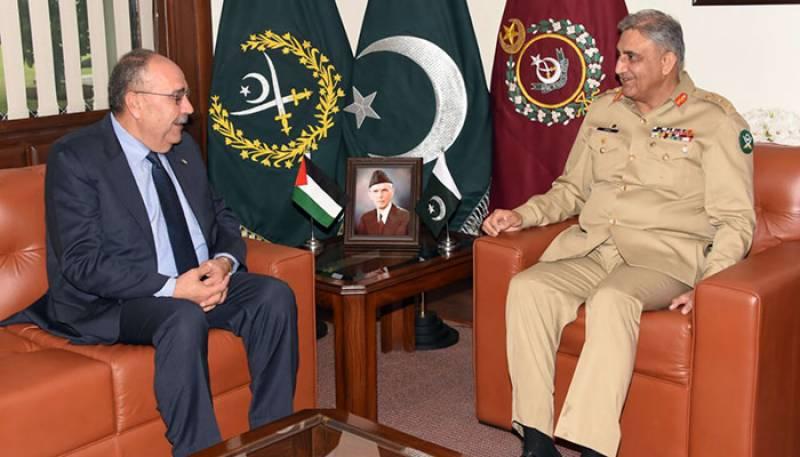 آرمی چیف جنرل قمر باجوہ سے فلسطینی سفیر کی جنرل ہیڈ کوارٹر راولپنڈی میں ملاقات
