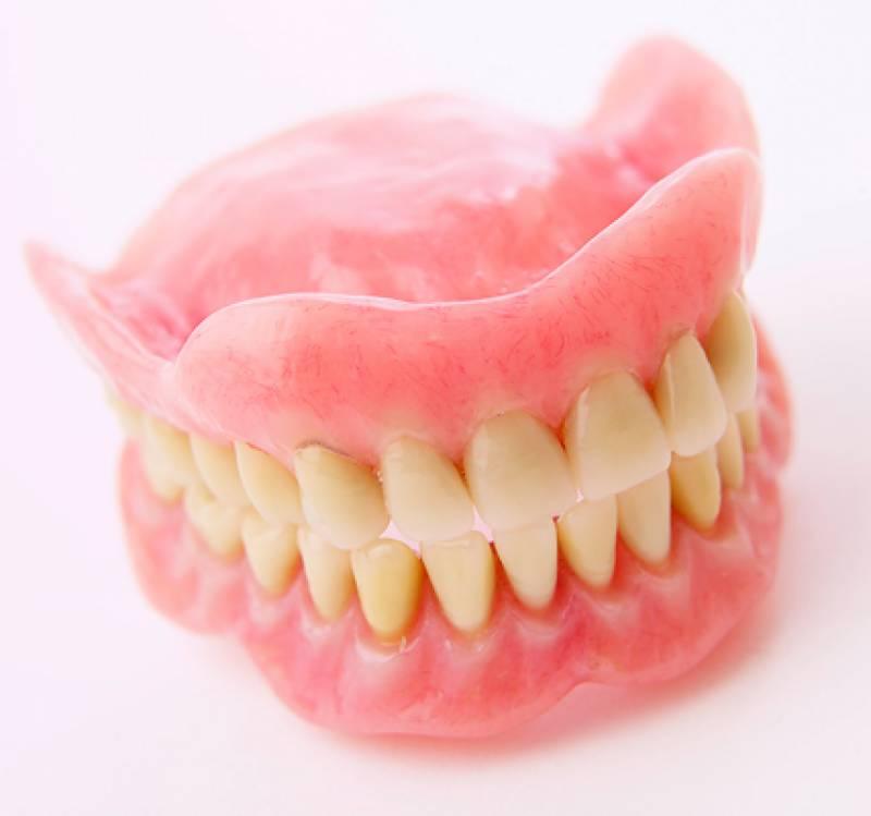مصنوعی دانتوں کا استعمال ہڈیوں کی کمزوری کا باعث