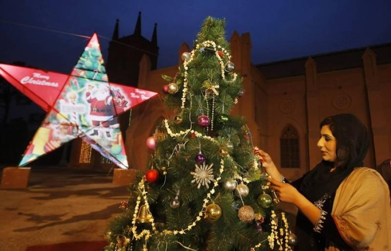 پاکستان سمیت دنیا بھر میں کرسمس آج منائی جا رہی ہے