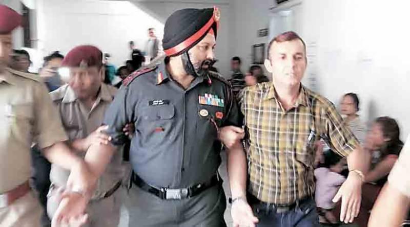 بھارتی فوجی بریگیڈیئر کو خاتون سے تعلقات پر لائن حاضر کر دیا گیا