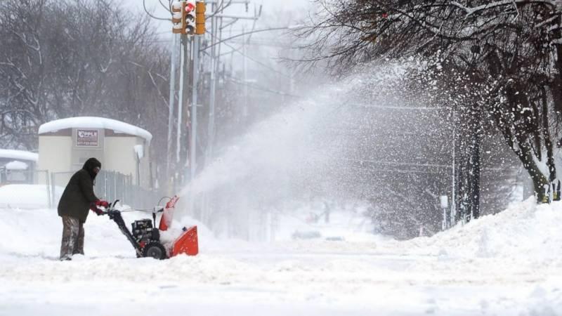 امریکامیں 65انچ برف باری،60سالہ ریکارڈ ٹوٹ گیا