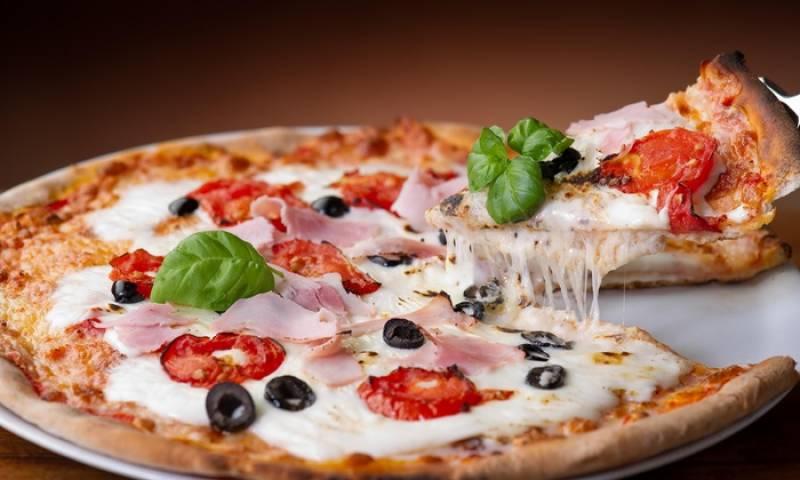 ماہرین کا موٹے افراد کو پیزے سے دور رہنے کا مشورہ