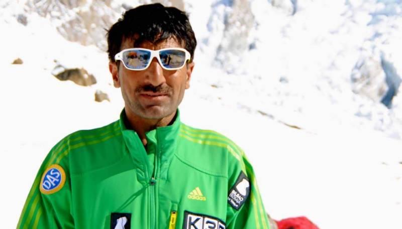 پاکستانی کوہ پیما محمد علی سدپارہ مائونٹ ایورسٹ بیس کیمپ پر پہنچ گئے