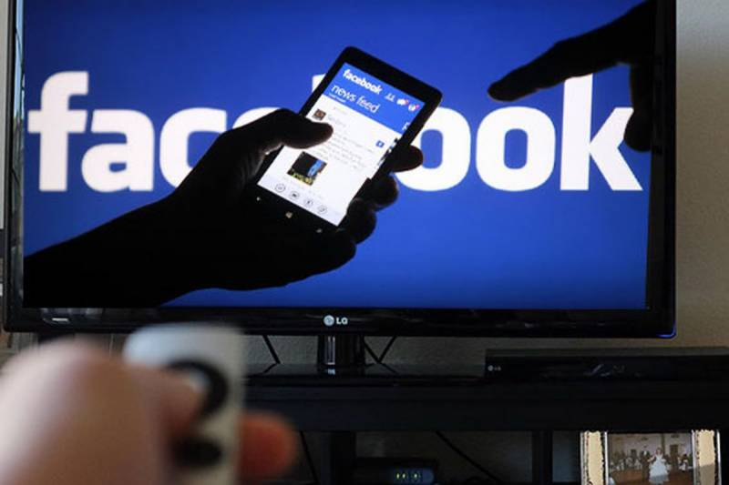نوجوان لڑکی کی بغیر اجازت تصاویر لگانے پر فیس بک ہرجانہ ادا کرنے پر راضی