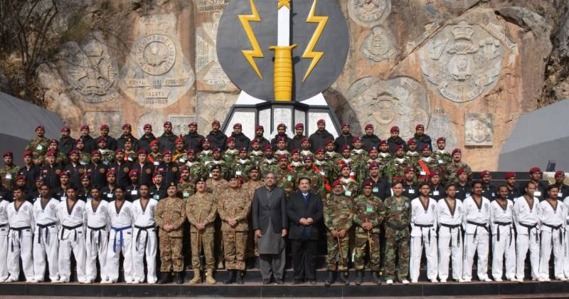 وزیراعظم اور آرمی چیف کا ایس ایس سی ہیڈ کوارٹرز چیراٹ کا دورہ