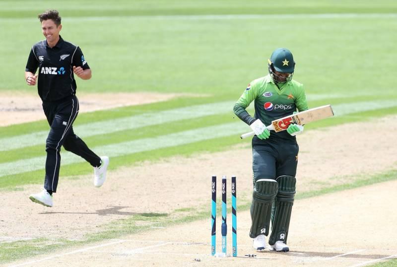 کیویز کے ہاتھوں تیسرے ون ڈے میں عبرتناک شکست،پاکستانی ٹیم چوتھے کم ترین سکور پر آﺅٹ ہوئی