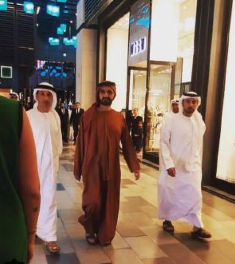 دبئی کے شہری اچانک حکمران شیخ محمد بن راشد المکتوم کو اپنے درمیان دیکھ کر حیران رہ گئے