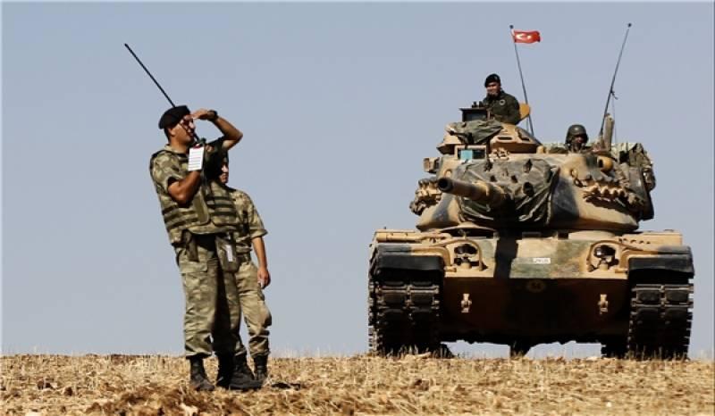 ترکی کا اپنی سرحد کے قریب شام سے متصل علاقوں میں فوجی کمک میں اضافہ