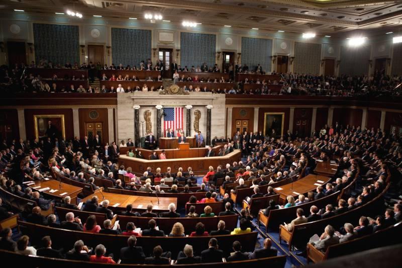 امریکی حکومت چلانے کیلئے اخراجات کے بل پر حکمران جماعت اور حزب اختلاف آمنے سامنے
