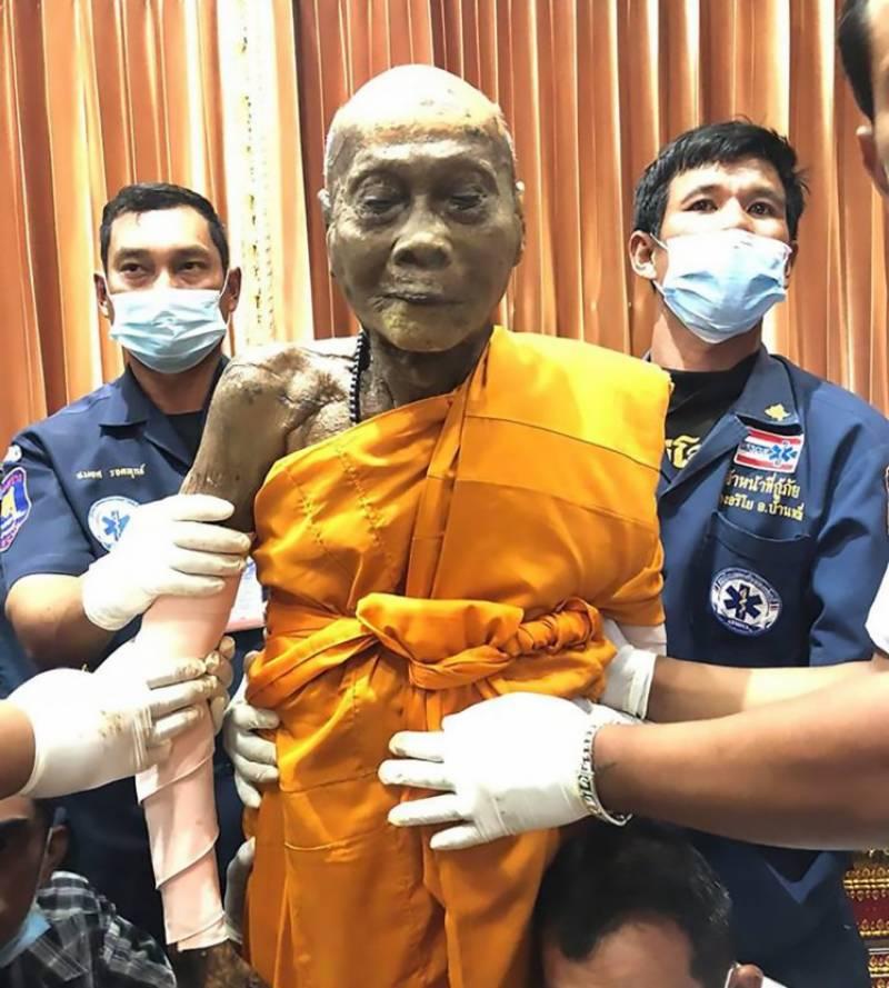 موت کے تین ماہ بعد مسکراتے بدھا کی تصویر سوشل میڈیا پر وائرل