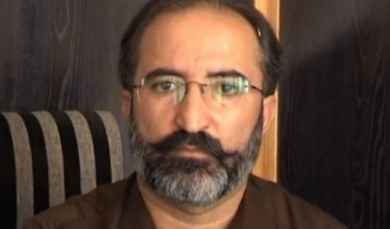 پرویز خٹک اور ان کی کابینہ نے استعفے دینے سے انکار کیا ہے : داور کنڈی