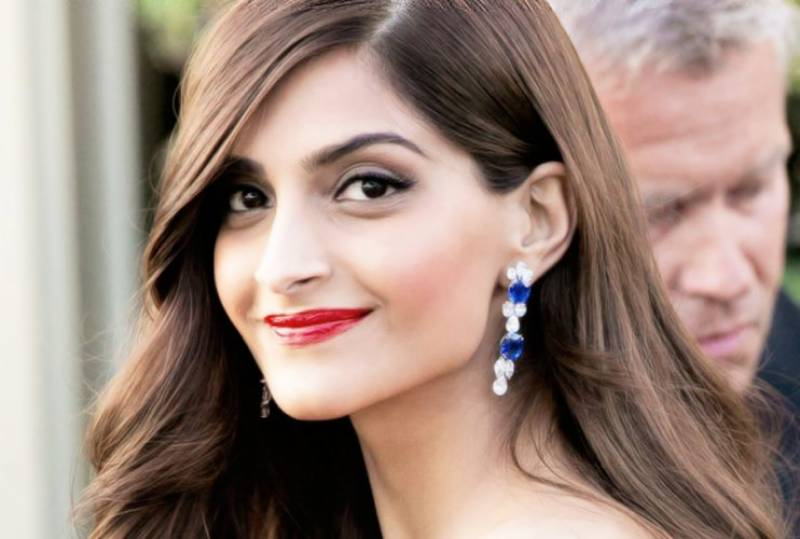 سونم کپور سنجے دت کی زندگی پر بننے والی فلم کا حصہ بننے پر خوش