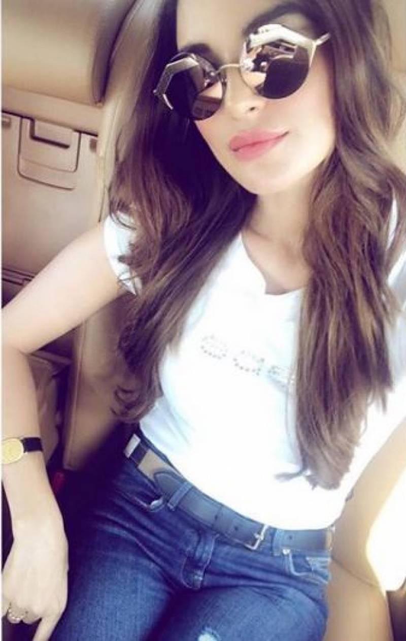 معروف ماڈل و اداکارہ سعدیہ خان کو بالی وو ڈ فلم میں بطور ہیروئن کاسٹ کرلیا گیا