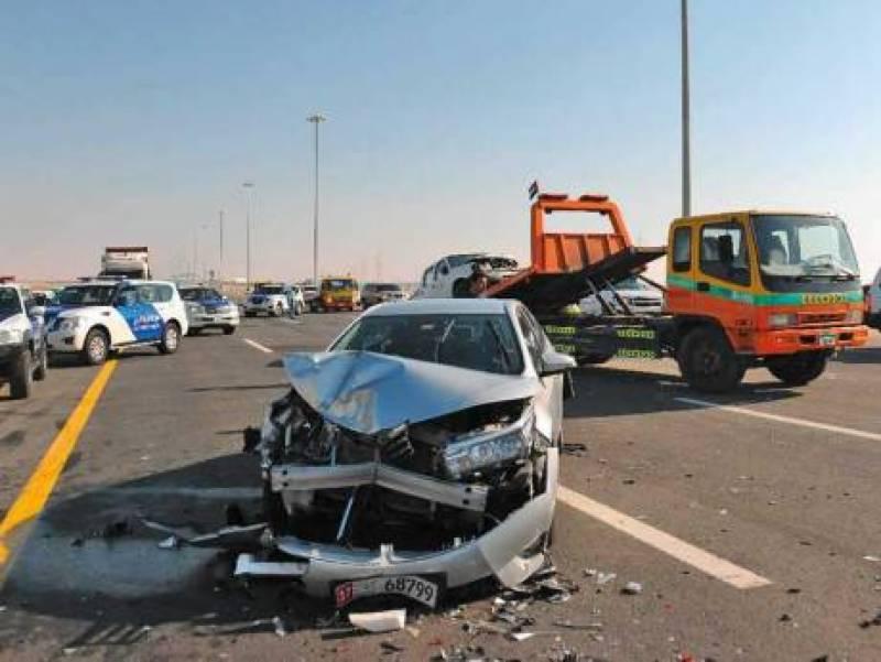 متحدہ عرب امارات میں شدید دھند کے باعث 25 گاڑیاں آپس میں ٹکرا گئیں،25 افراد زخمی