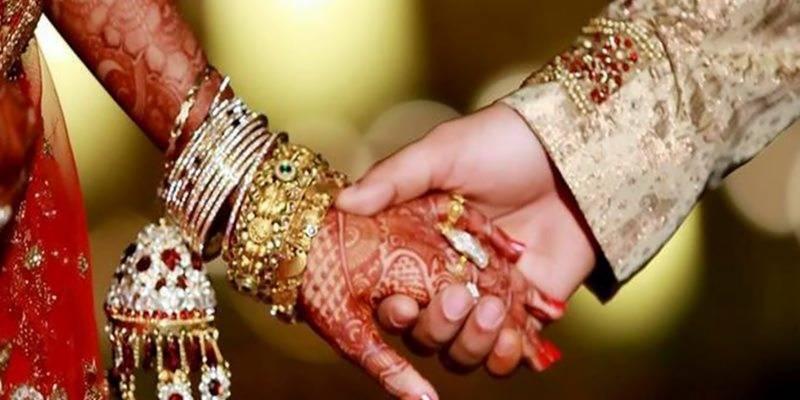 بھارت میں سیلفی لینے پر شادی کی تقریب میدان جنگ بن گئی