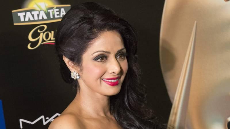 ورسٹائل نامور بالی ووڈ اداکارہ سری دیوی حرکت قلب بند ہونے سے چل بسیں