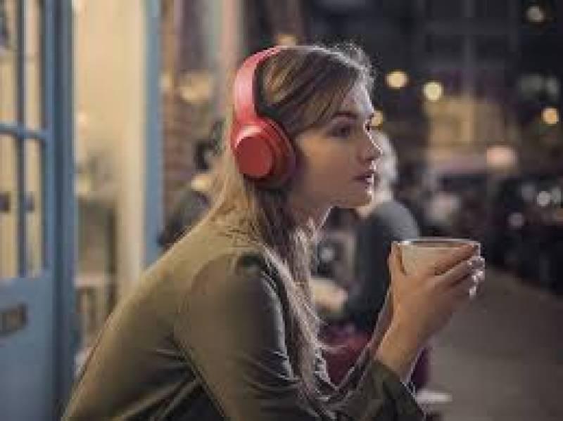 موبائل ہینڈ ز فری و فونز کے زیادہ استعمال سے قوت سماعت متاثر