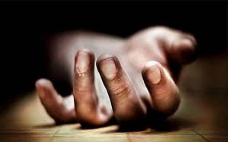 بدین: شوہر نے غیرت کے نام پر اپنی بیوی کو کلہاڑی کے وار کرکے قتل کر دیا