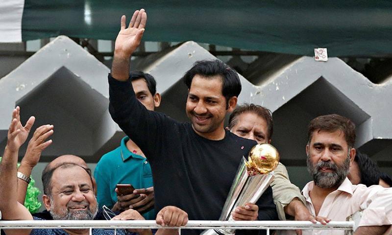 سرفراز احمد سمیت تین سابق کپتانوں کو تمغہ امتیاز دینے کا فیصلہ