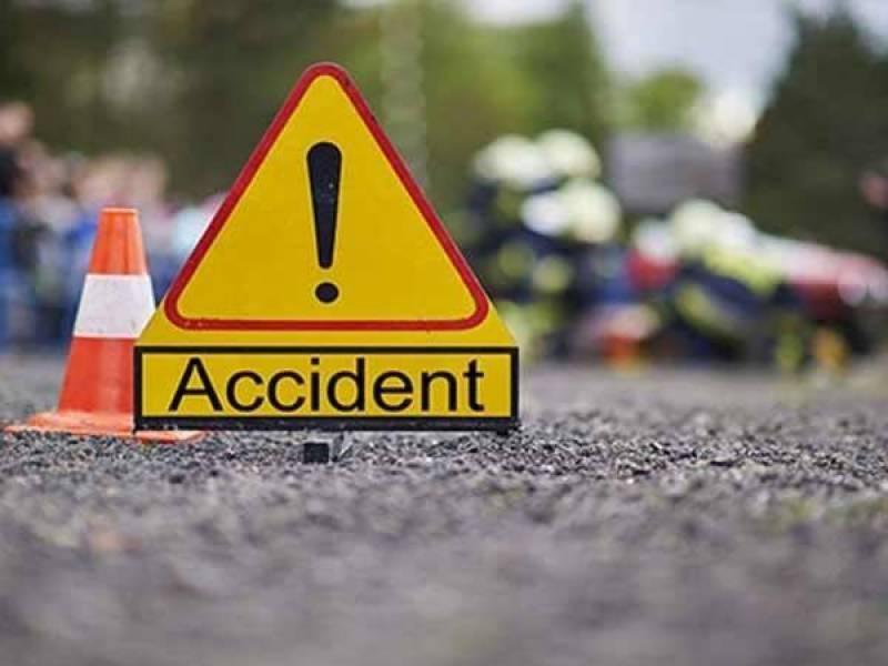 بہاولنگر: ٹریفک حادثے میں ایک ہی خاندان کے چار افراد جاں بحق
