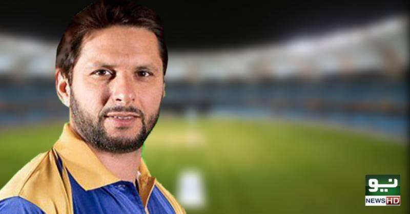 شاہد آفریدی ٹی 20 کرکٹ میں 300 وکٹیں حاصل کرنے والے پہلے پاکستانی باؤلر بن گئے