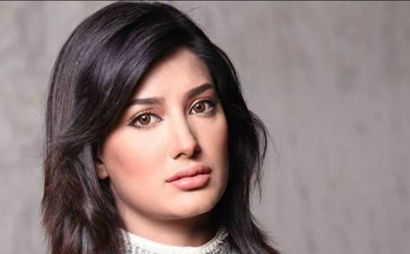 بھارتی فلمساز پاکستانی فنکاروں کو بی اور سی کلاس کام دیتے ہیں، مہوش حیات