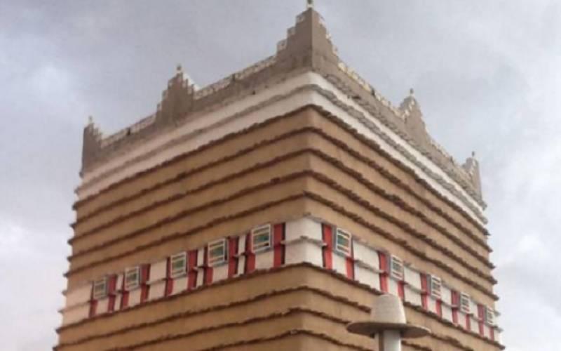 سعودی شاعر نے 400 برس پرانے گھر میں رہنے کا انوکھا فیصلہ کر لیا