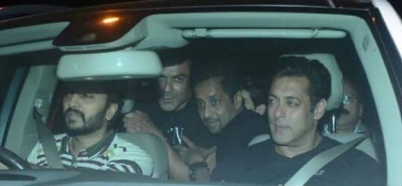 سلمان خان رہائی کے بعد ساتھی اداکار کی سالگرہ منانے پہنچ گئے