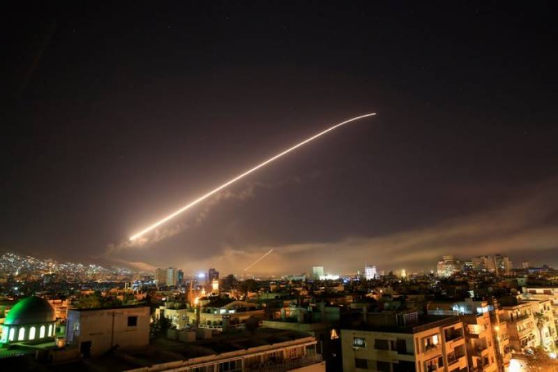 امریکہ نے برطانیہ اور فرانس کے ساتھ ملکر شام پر حملہ کردیا
