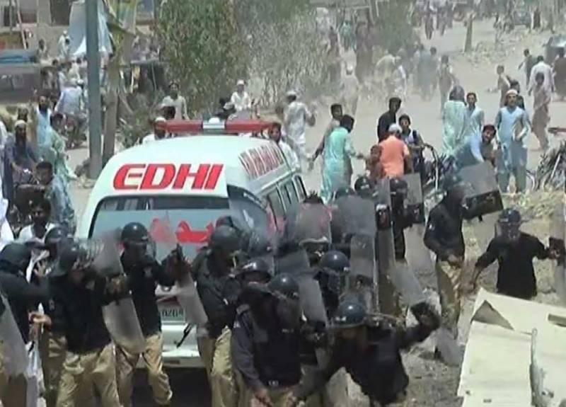 کراچی، بچی سے زیادتی اور قتل کیخلاف احتجاج، فائرنگ سے ایک شخص جاں بحق