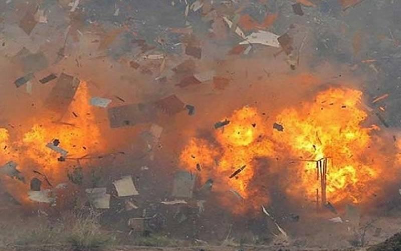 اٹک میں حساس ادارے کی بس پر فائرنگ اور دھماکہ ، 2 افراد جاں بحق، 13 زخمی