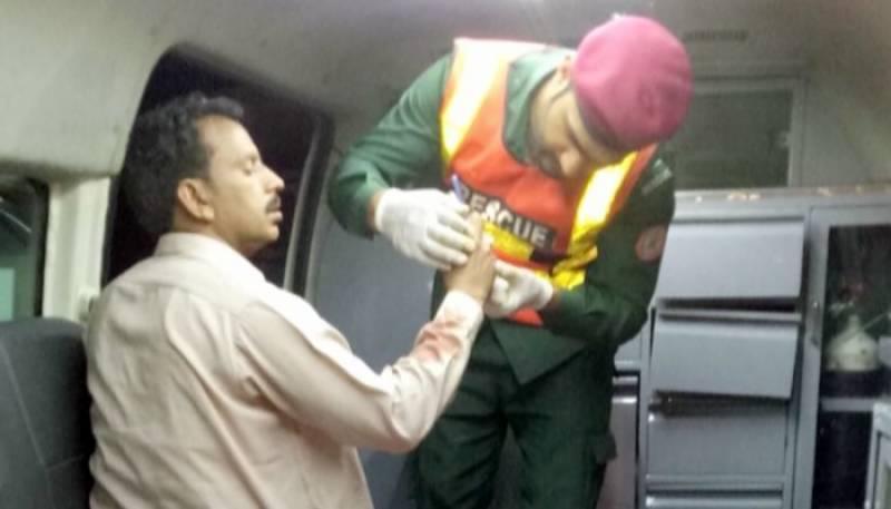 فیصل آباد، ٹریفک حادثے میں 4 مسافر جاں بحق