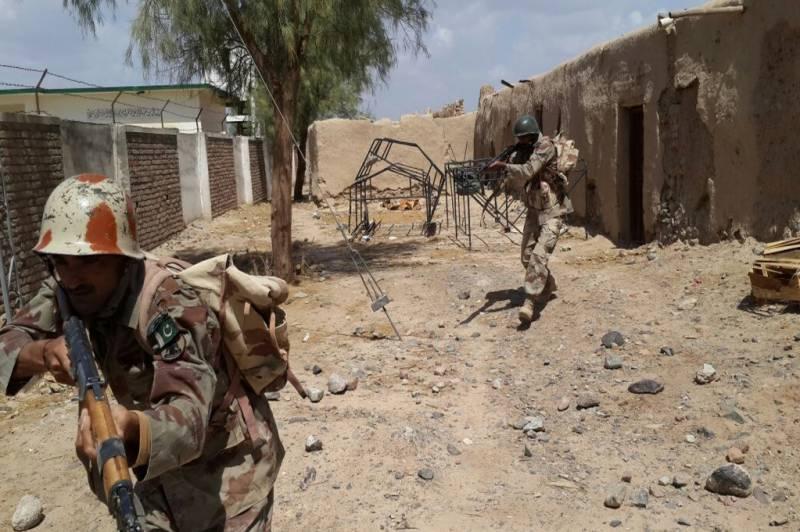 کوئٹہ میں سکیورٹی فورسز کا آپریشن،لشکر جھنگوی بلوچستان کے سربراہ سمیت تین دہشتگرد ہلاک